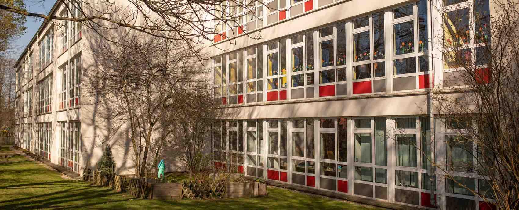 Tuttmann-Schule-25_1700x689_opt